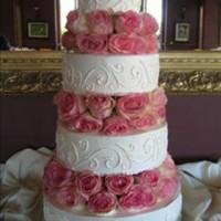 Fresh Pink Roses Wedding Cake