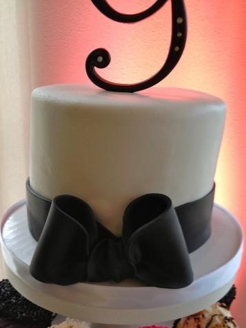 Black, Pink, & White Wedding Photo 2